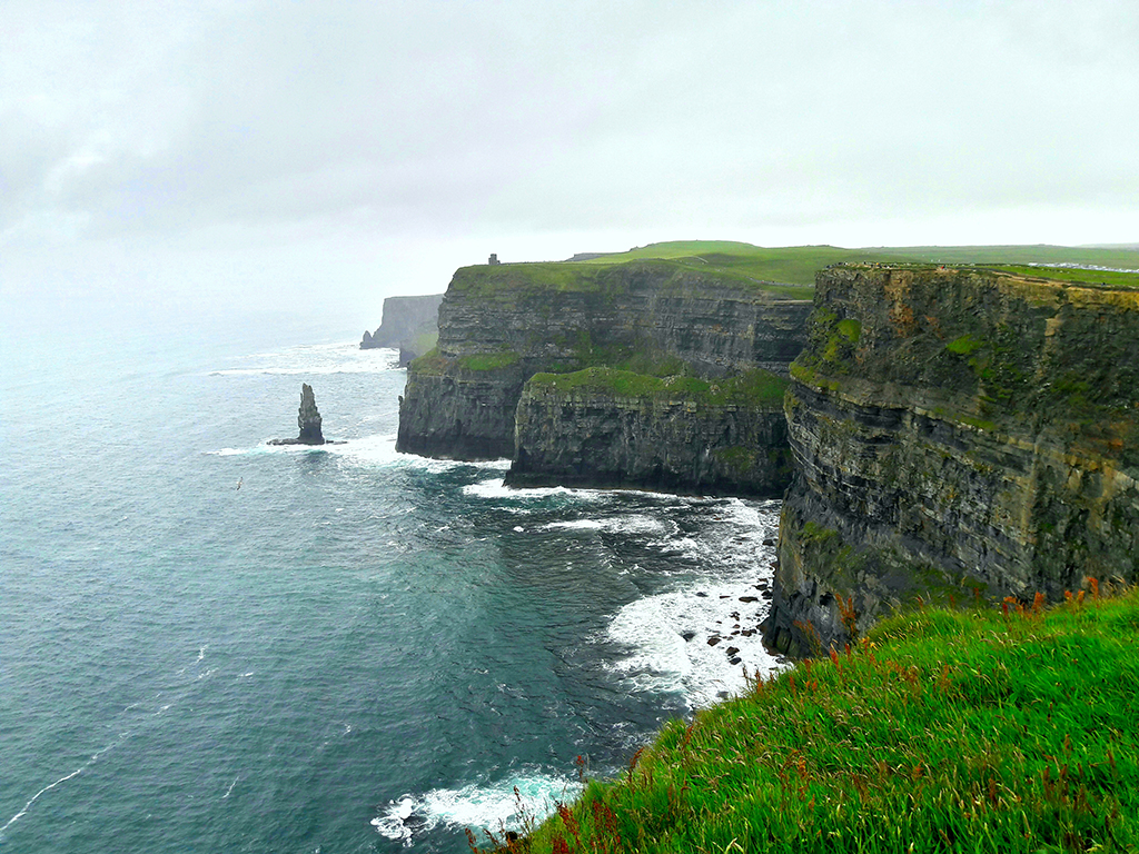Die Cliffs of Moher und Hag's Head