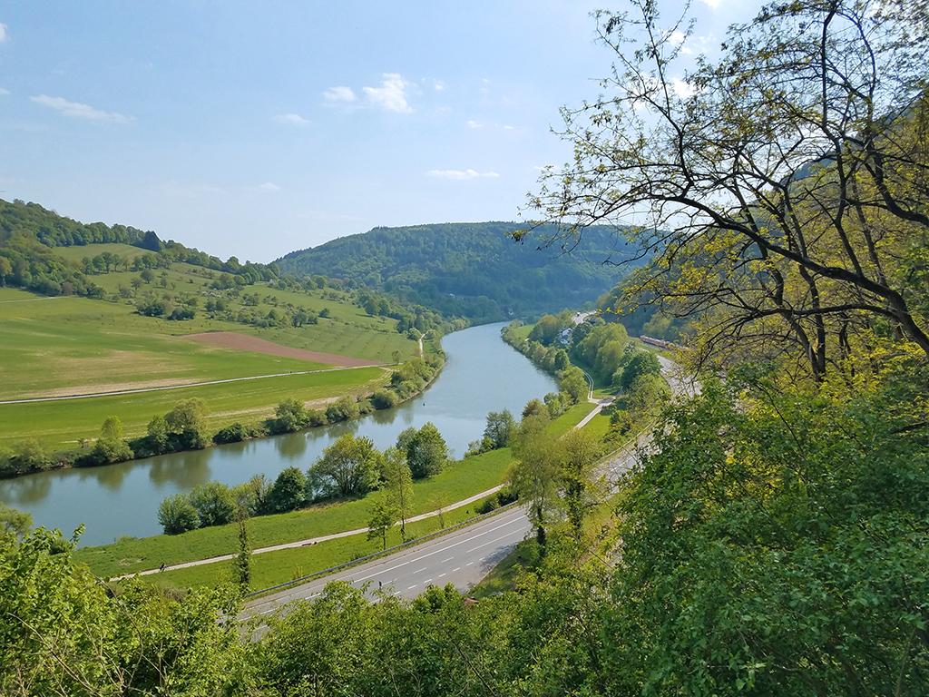 Verlauf des Neckars in Richtung Kleingemünd
