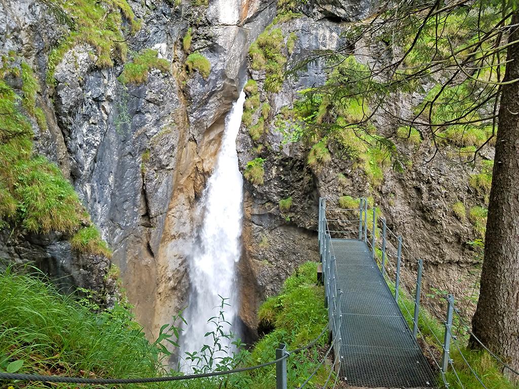 Hölltobel: Wasserfall mit Plattform