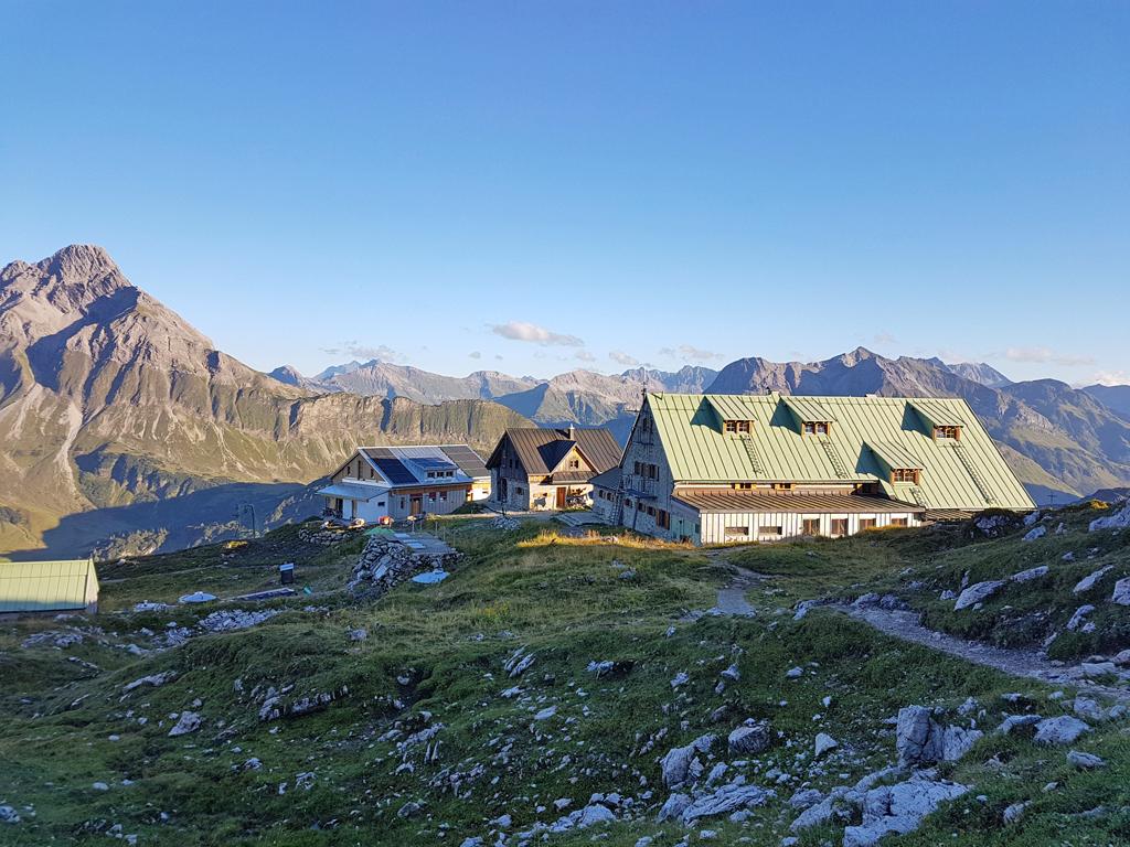 15-Blick zur Mindelheimer Hütte